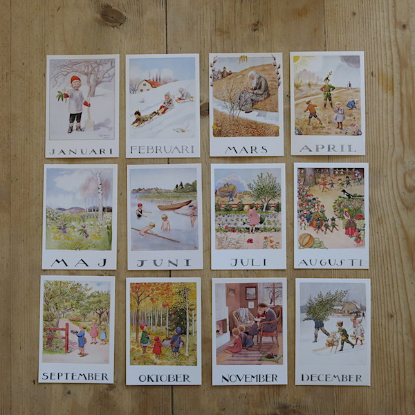 12 POSTCARDS SET